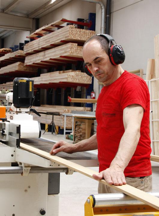 Fabricant de finestres de fusta, finestra mixta de fusta i alumini i tancaments
