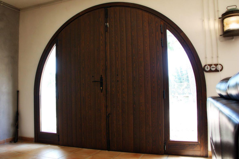 porta d'entrada de fusta d'alta seguretat reforma Club Hipic Julivert