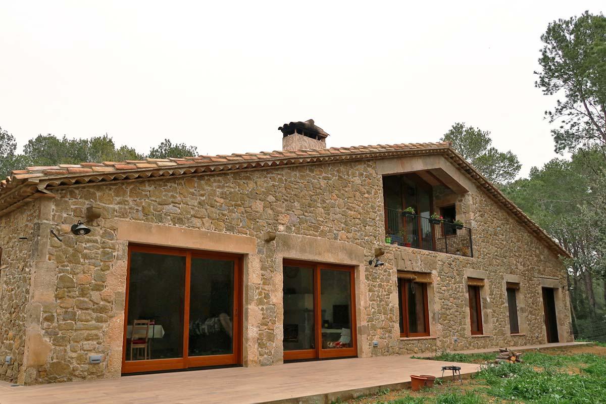 finestres de fusta model Silva 68 amb gran eficiència tèrmica a Girona fabricades per Carreté Finestres
