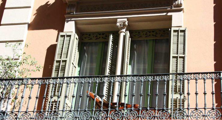 Renovació de finestres de fusta antigues a Barcelona