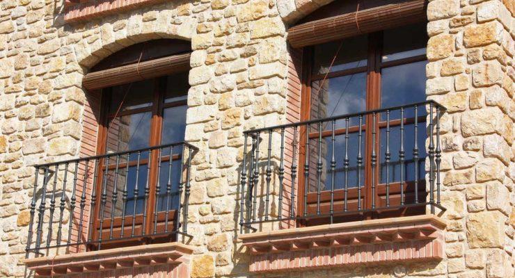 100% Priorat: finestres de fusta a Cabacés