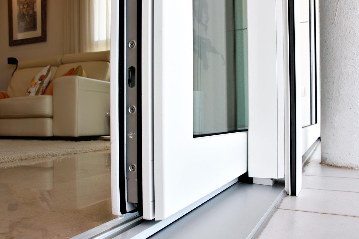 finestrals d'alumini exterior corredisses i elevables, amb tancaments de seguretat, finestres hermètiques a Reus