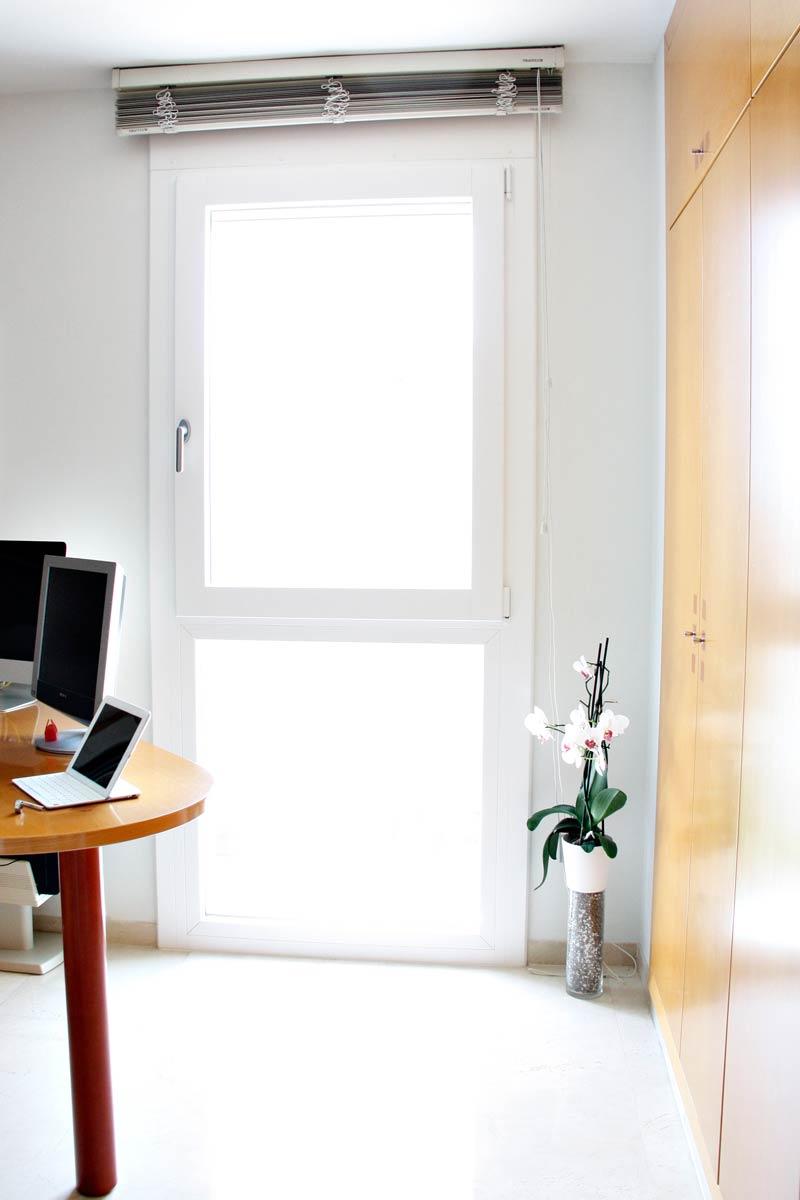 finestra de fusta i alumini oscil·lobatent i tancaments a Reus-estudi