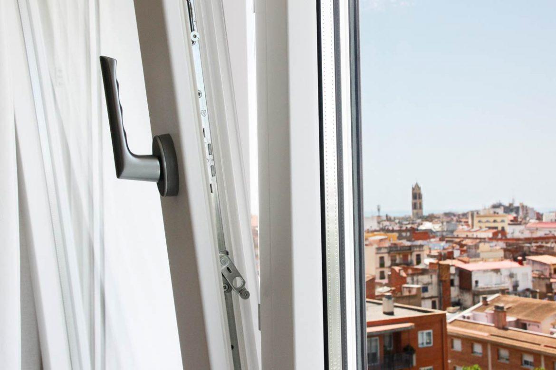 finestres de fusta i alumini ideals per a tot tipus d'espai i clima fabricades per Carreté Finestres a la Selva del Camp