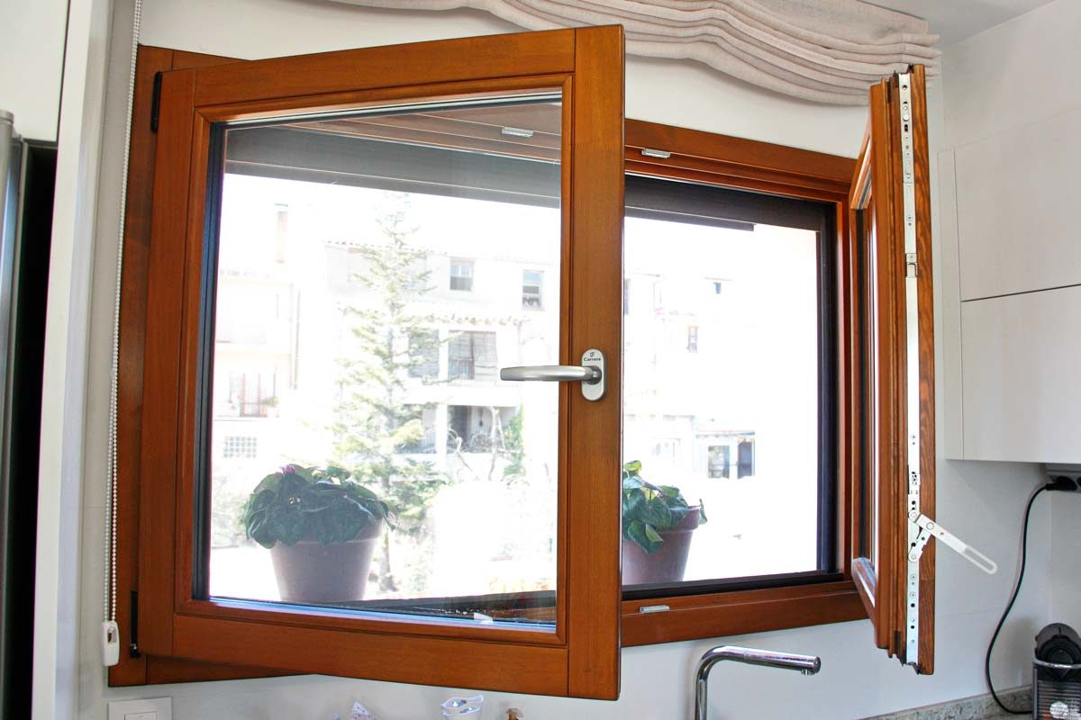 finestres de fusta de gran qualitat i eficàcia tèrmica amb alta transmitància tèrmica de perfil europeu- Santa Coloma de Queralt