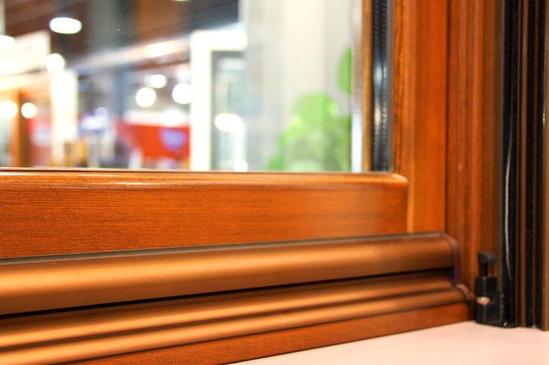 exposició finestres mixtes de fusta i alumini catàleg fabrica de finestres i tancaments Carreté Finestres a ExproReus-ferramentes Gretsch unitas