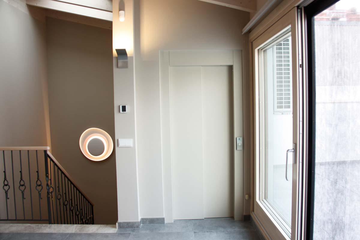 Reforma de finestres de fusta i alumini, finestres mixtes, a Vilanova i la Geltrú- finestres corredisses