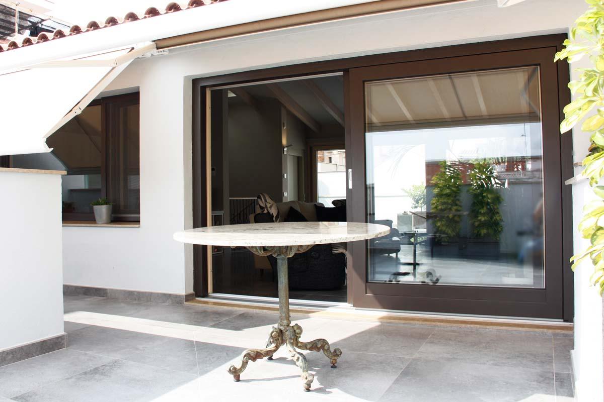 Reforma de finestres de fusta i alumini, finestres mixtes, a Vilanova i la Geltrú-finestrals corredisses