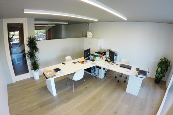 Carreté Finestres - oficines centrals del fabricant de finestres de fusta, finestra mixta de fusta i alumini i tancaments en la Selva del Camp (Baix Camp)