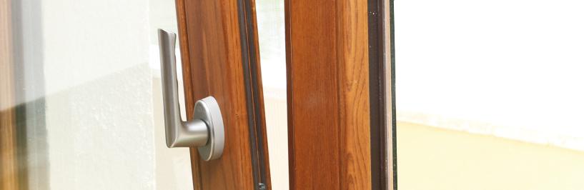 mostrari de colors de finestres de fusta i alumini (finestra mixta) de Carreté Finestres