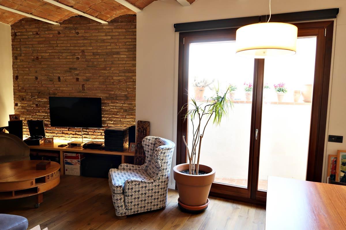 balcó amb finestres de fusta Silva 68 - Carreté Finestres